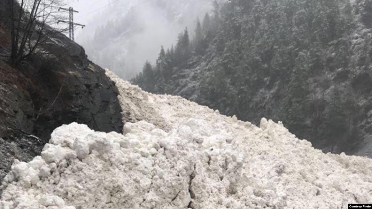 Спасатели предупреждают об опасности подъема уровня воды и схода лавин