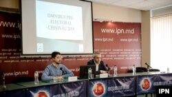 Valeriu Pașa (WatchDog.MD) și Valeriu Cantarji (CBS AXA), conferință de presă la IPN, Chișinău, 14 octombrie 2019