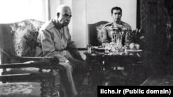 رضا شاه و ولیعهدش تنها چند روز پیش از کنارهگیری به نفع محمدرضا شاه