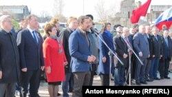 Выступает Александр Ющенко
