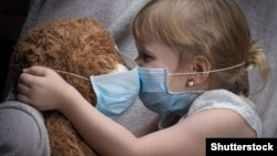 Голяма част от дарителските кампании у нас са свързани с набирането на средства за лечение, най-често в случи на болни деца. Снимката е илюстративна