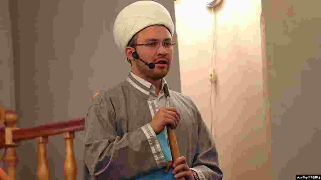 Рамазан мәчетендә Корбан гаете. Солтан хәзрәт вәгазь сөйли
