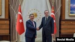Президент Татарстана Рустам Минниханов с президентом Турции Реджепом Эрдоганом в Анкаре, 30 апреля 2015