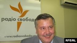 Колишній міністр оборони, а нині – голова парламентського Комітету з питань національної безпеки та оборони Анатолій Гриценко