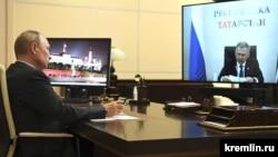 Владимир Путин һәм Рөстәм Миңнеханов (архив фотосы)