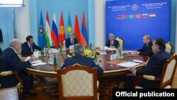 Armenia - Armenian President Serzh Sarkisian hosts a summit of the Collective Security Treaty Organization in Yerevan, 14Oct2016.