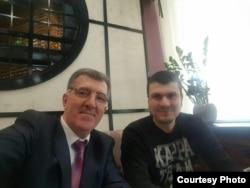 Адам Осмаев и Алекс Вернер на одной из встреч. Фото предоставлено защитой Артура Кринари