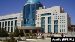 Turkistondagi Xoja Ahmad Yassaviy nomli qozoq-turk universiteti binosi.