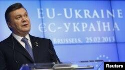 Стремление президента Украины Виктора Януковича к союзу с ЕС раздражает Москву