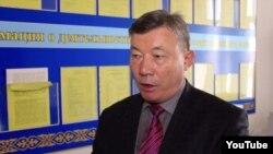 Берекет Кәрібаев.