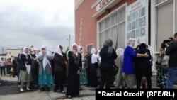 В Душанбе состоялась церемония прощания с поэтом Бозором Собиром
