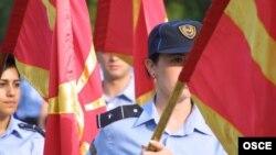 ЕККУнун полиция күчтөрү Македонияда 15-июнь 2003