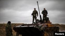 Rebelët pro-rusë në Ukrainën lindore