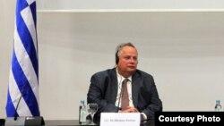 Министерот за надворешни работи на Грција Никос Коѕиас.