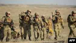 Военнослужащие Армении и Нагорного Карабаха во время совместных военных учений, 14 ноября 2014 г․