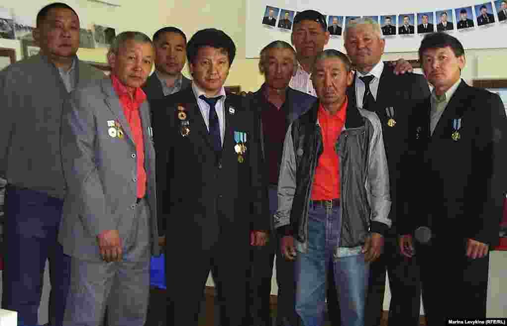 Чернобыль апатының салдарын жоюға Қазақстаннан қатысқандардың бір тобы. Семей, 26 сәуір 2012 жыл.