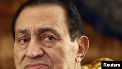 Former Egyptian President Hosni Mubarak at the presidential palace in Cairo, 19Oct2010