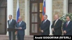На відкритті російського «посольства» в Абхазії, Сухумі, 18 квітня 2017 року