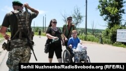 Контрольний пукнт «Станиця Луганська» на Луганщині