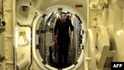 دیوید کامرون در زیر دریایی اتمی ونگارد در روز پنجشنبه ۱۵ فروردین ۱۳۹۲