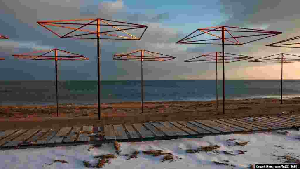 Пляж у селищі Берегове під Феодосією