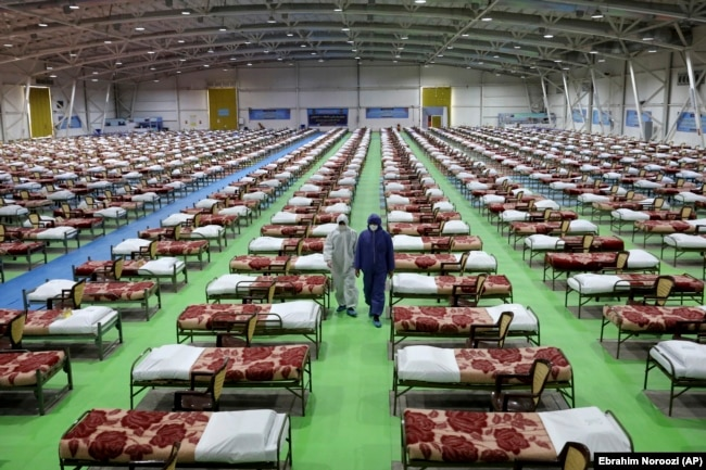 A temporary 2,000-bed medical facility for COVID-19 coronavirus patients set up by the Iranian army at the international exhibition center in northern Tehran, March 26, 2020