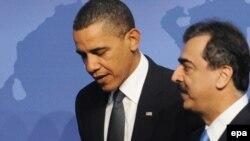 یوسف رضا گیلانی (راست)، نخست وزیر پاکستان، به همراه باراک اوباما، رئیس جمهور آمریکا