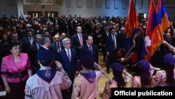 U.S. - Armenian President Serzh Sarkisian and Diaspora Minister Hranush Hakobian meet with members of the Armenian community in Massachussetts, 31Mar2016.