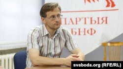 Belarus - Politologist Alex Lahvinets. Round Table about anniversary of the Declaration of State Sovereignty of the Belarusian Soviet Socialist Republic, Minsk, BPF party office, 25Jul2014
