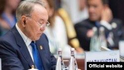 Қазақстан президенті Нұрсұлтан Назарбаев G-20 саммиті кезінде. Ханчжоу, Қытай.