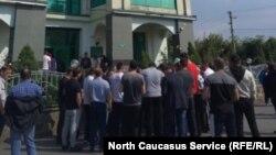 Акция протеста у офиса североосетинской таможни во Владикавказе
