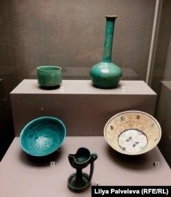 Кубок, бутыль, чаши и светильник. Средняя Азия, 12-15 века