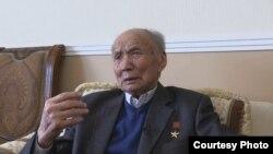Корчубек Акназаров.