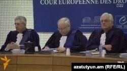 Դատավորը ներկայացնում է գործի նախապատմությունը, Ստրասբուրգ, 15-ը հոկտեմբերի, 2015թ.