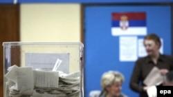 prebrojavanje glasova na jednom od biračkih mesta u Beogradu