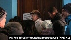 Черга по біометричні паспорти у Львові