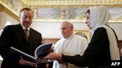 İ.Əliyev, Roma Papası Françis və M.Əliyeva