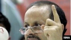 آقای گنجی معتقد است که جمهورى اسلامى، نظامى استبدادى و سركوبگر است، اما نظامى فاشيستى و توتاليتر نيست.(عکس: ایسنا)