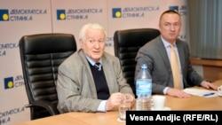 Dragoljub Mićunović i Bojan Pajtić na sastaku sa predstavnicima opozicionih stranaka