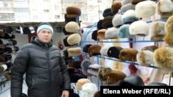 Андрей Стародуб, торговец на рынке. Темиртау, 20 января 2013 года.