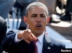 АҚШ президенті Барак Обама Нормандияға одақтастар әскерінің кіргеніне 70 жыл толуына орай өткен шарада тұр. Франция, 6 маусым 2014 жыл.