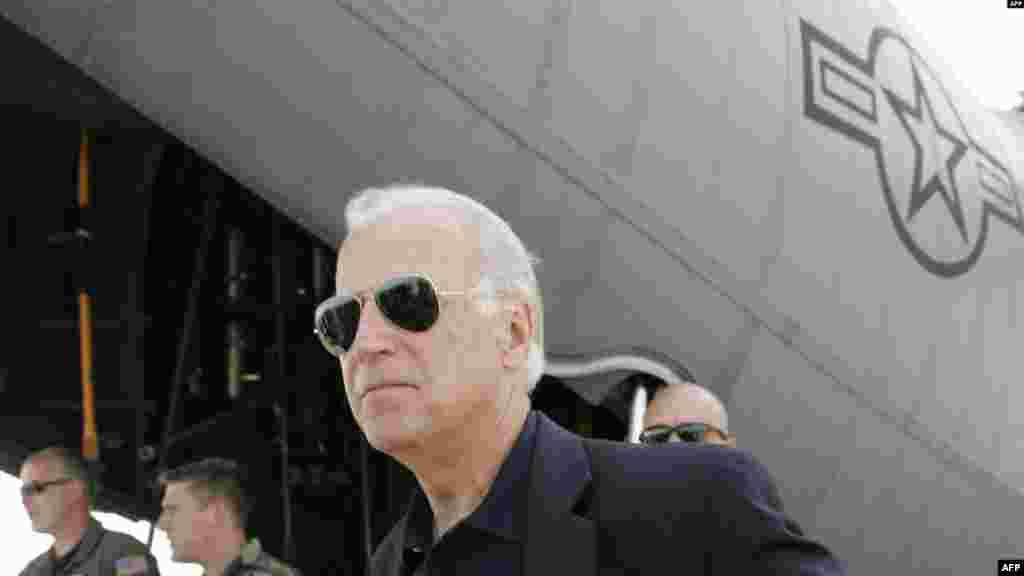 Впервые Байден побывал в Тбилиси сразу после российско-грузинской войны в августе 2008 года.Тогда он руководил комитетом Сената по международным отношениям и сообщил о решении выделить Грузии финансовую помощь в размере миллиарда долларов.