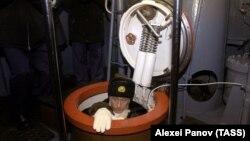 Владимир Путина на военных учениях (архивное фото)