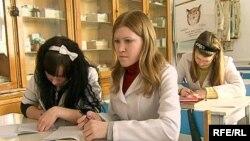Студенты медицинского колледжа. Темиртау, февраль 2010 года.