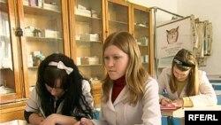 Теміртаудағы медициналық колледж студенттері. Ақпан, 2010 жыл.