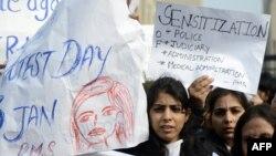 Dhunimi i studendes ka shkaktuar protesta masive kundër dhunës ndaj grave në Indi.