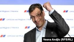 Серб прогрессивтік партиясының жетекшісі Александр Вучич. Белград, 24 сәуір 2016 жыл.