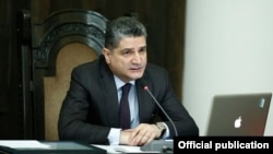 Armenia - Prime Minister Tigran Sarkisian chairs a cabinet meeting in Yerevn for the last time, 3Apr2014.