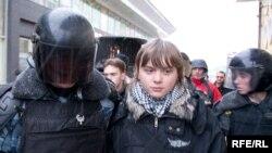 Правозащитники считают, что милиционеры по своей природе мягки и добродушны. Жестокими их делают обстоятельства