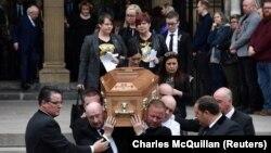Похороны Лайры Макки.
